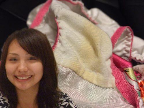 こんなにカワイイ女の子のマンカスでトロトロに汚れた着用シミパン画像