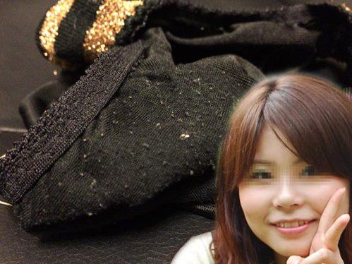 顔出し女子大生の着用クロッチ毛玉画像