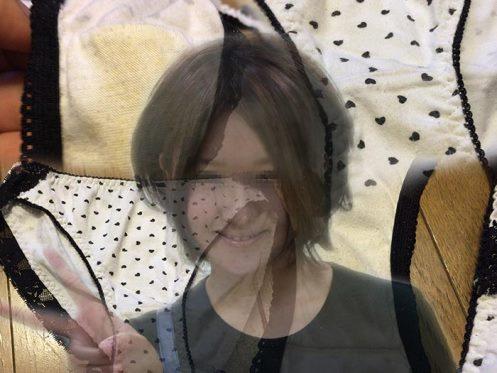 看護婦の黄ばみパンティ画像