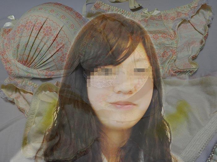 受付嬢の生パンティでハメる前に射精した画像