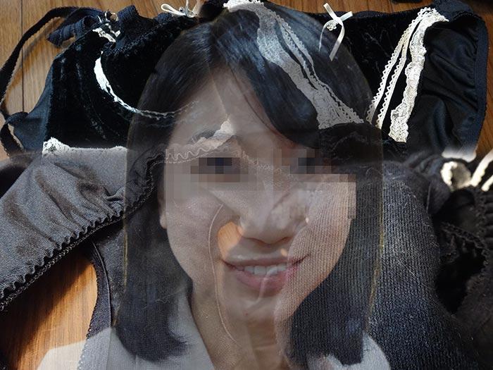 塾講師をしている友妻の汚れたクロッチ画像