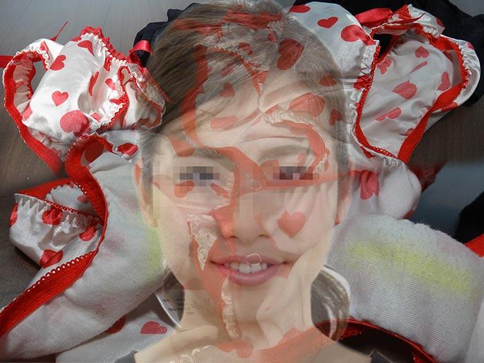 可愛い妻友の派手パンティの匂いを嗅いだ画像